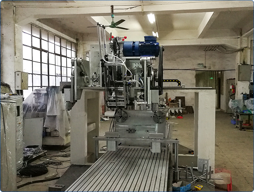 disk personal care brush machine axis drilling Yitong