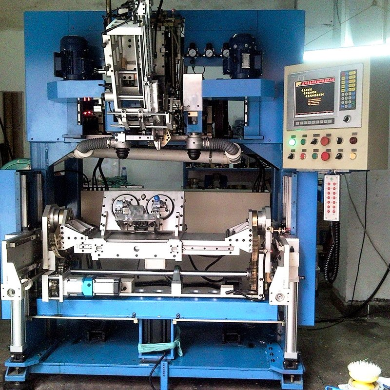 5 Axis Drilling And Tufting Brush Machine BHF5DF02