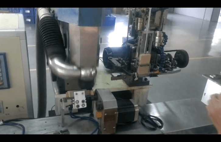 4 AXIS DRILLING AND FILLING MACHINE